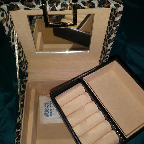 8f317356766af NIB worthington travel jewelry box leopard